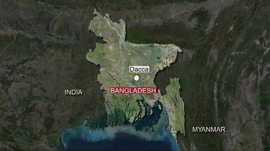 Bangladeshi blogger 'murdered by machete-wielding attackers'