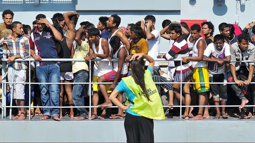Cinq personnes arrêtées après le naufrage d'une embarcation de migrants en Méditerranée