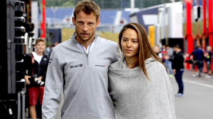 Roban al píloto de F1 Jenson Button mientras dormía