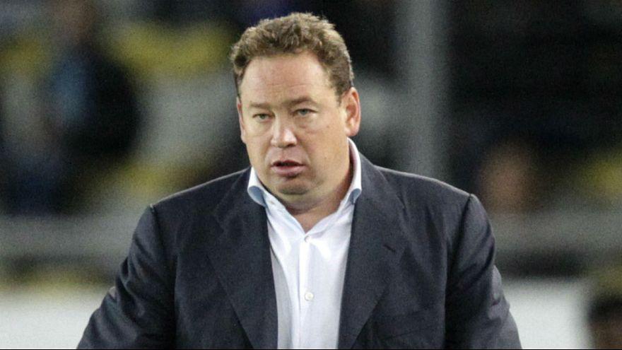 Leonid Sluzki trainiert die russische Fußball-Nationalmannschaft und den ZSKA Moskau