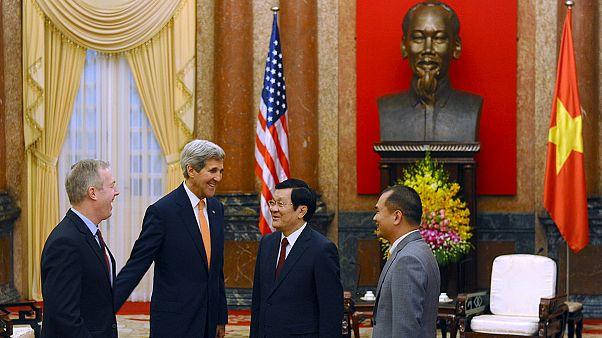 """Vietnam, Kerry:""""Le relazioni cresceranno ma occorre maggiore libertà"""""""