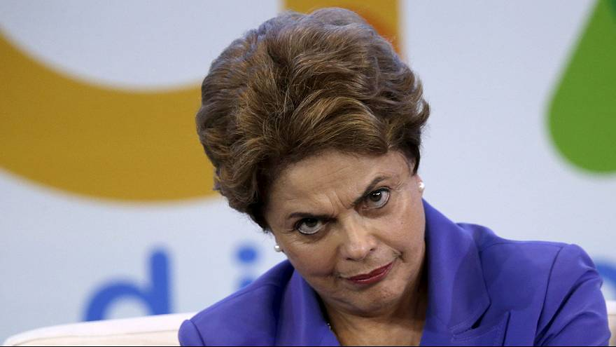 Dilma impopular agarra-se à legitimidade do voto