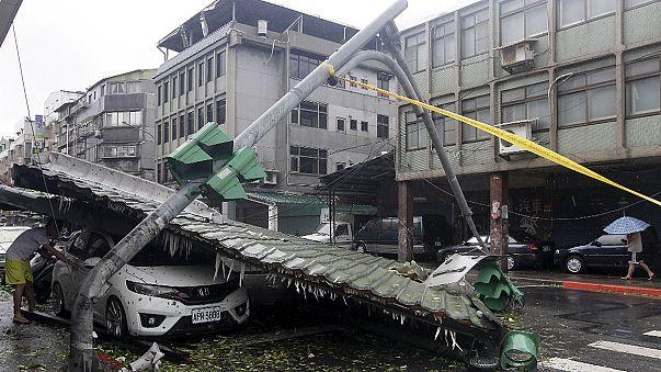 Taiwan devastada pelo tufão Soudelor