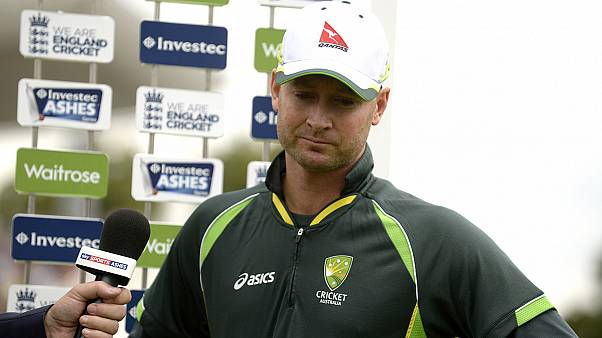 Michael Clarke despede-se do críquete