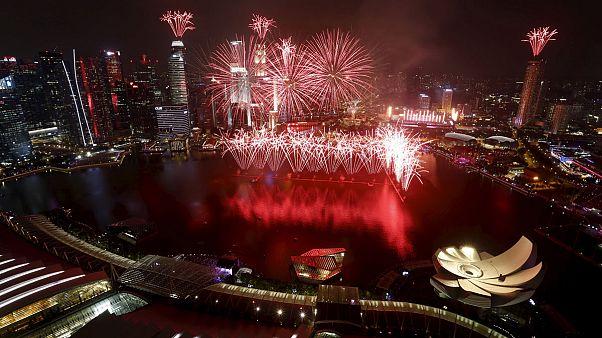 جشنی برای پنجاهمین سال استقلال و رونق اقتصادی سنگاپور