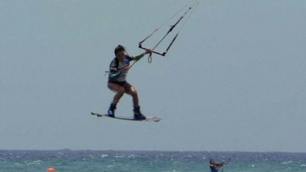 Kitesurf: Bruna Kajiya supreende na prova final de estilo livre em Fuerteventura