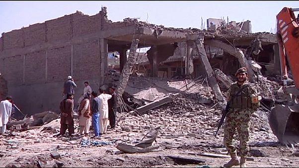 حمله انتحاری در ولایت قندوز افغانستان دست کم ۲۹ کشته برجا گذاشت