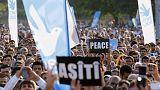 Multitudinaria manifestación por la paz en Estambul