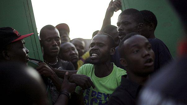 Haiti'de gergin seçimin ilk turu tamamlandı
