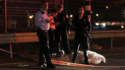 Polícia abate palestiniano após ataque com faca