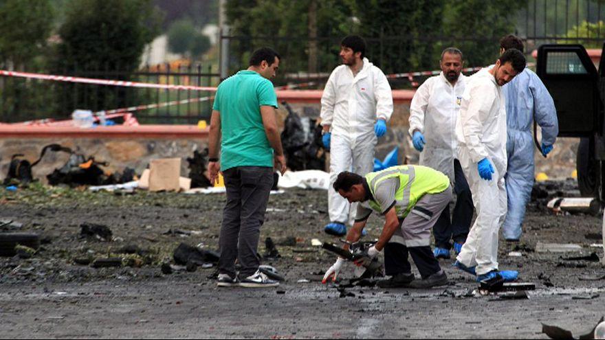 مقتل مسلحين اثنين وجرح عشرة أشخاص في هجوم على مركز للشرطة باسطنبول