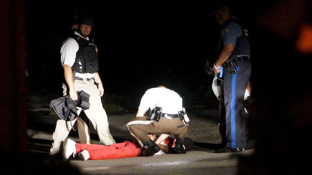 Életveszélyes állapotban a támadó, akire visszalőttek a rendőrök Fergusonban