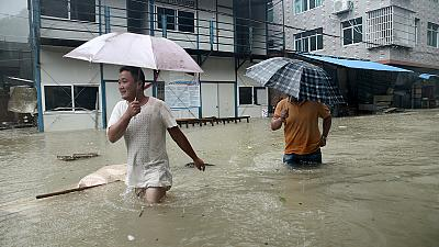 Typhoon batters China leaving 14 dead – nocomment