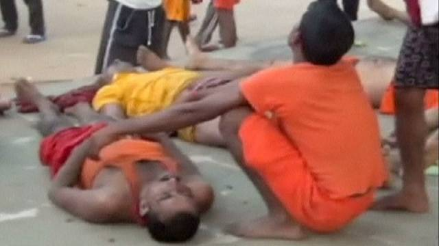 Mindestens elf Tote bei Massenpanik vor indischem Tempel