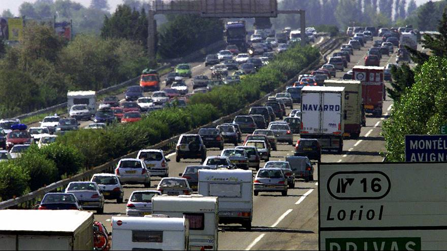Parents leave girl, 3, at French motorway services