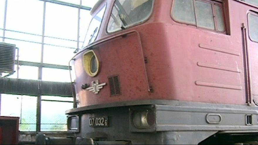 Болгария: на вокзале в Пловдиве локомотив протаранил пассажирский состав