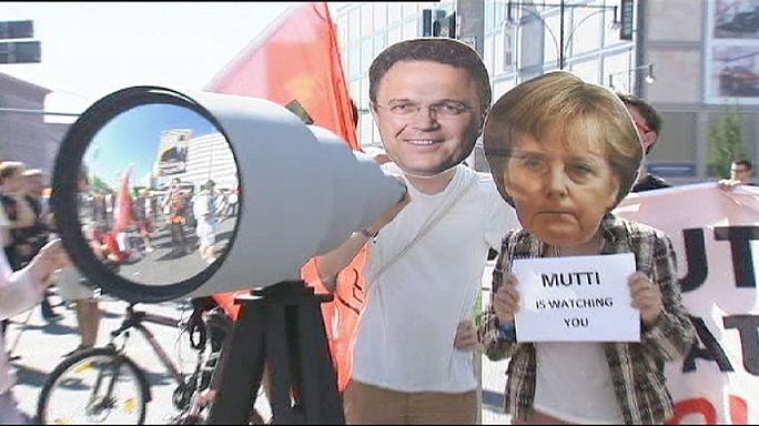 """Almanya gazetecilere açılan """"vatana ihanet"""" soruşturmasını durdurdu"""