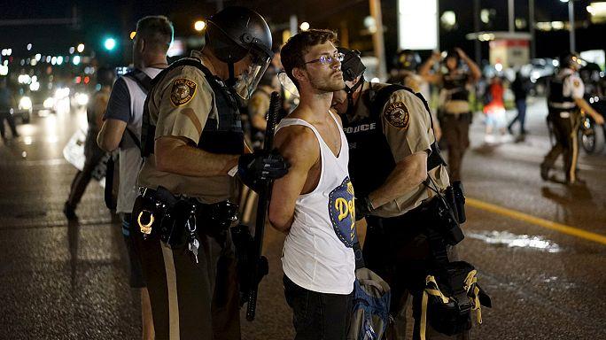 Estado de emergencia en Ferguson por los violentos sucesos en el aniversario de la muerte de Michael Brown