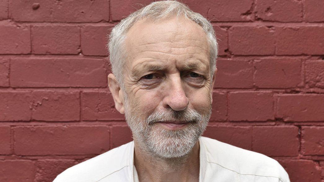 """Laburisti britannici sempre più sedotti dal """"socialista"""" Corbyn, nei sondaggi al 53 per cento"""