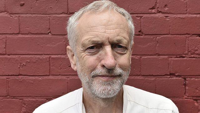 جيريمي كوربين يعد بتوجه يساري لحزب العمال البريطاني