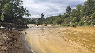 تسريب غير مقصود لمياه ملوثة في نهر أنيماس بكولورادو
