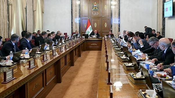 Irak'ta yönetim reformu meclisten geçti