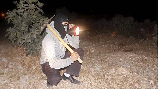Palestinian vigilantes patrol West Bank villages to deter attacks by Jewish settlers