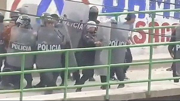 Peru'da madencilerle polis arasında çatışma:1 ölü 50 yaralı