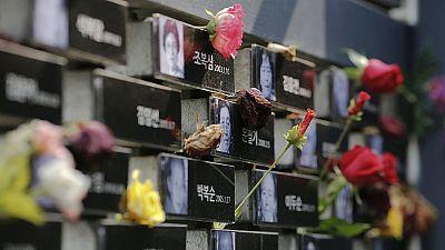 South Korean 'comfort women' demand Japan apology