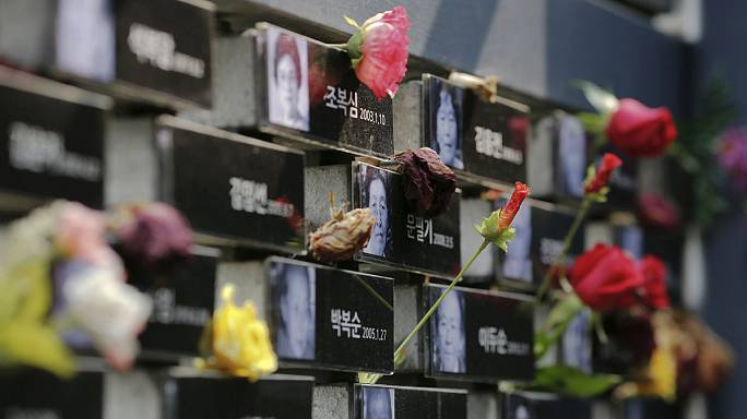 South Korean 'comfort women' demand Japan apology