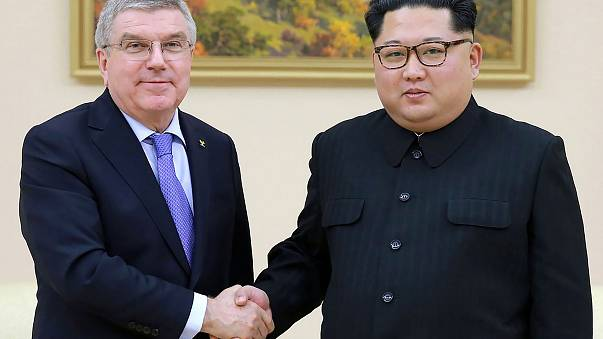 Image: North Korea's Kim Jong-Un meets Olympic chief Thomas Bach in Pyongya
