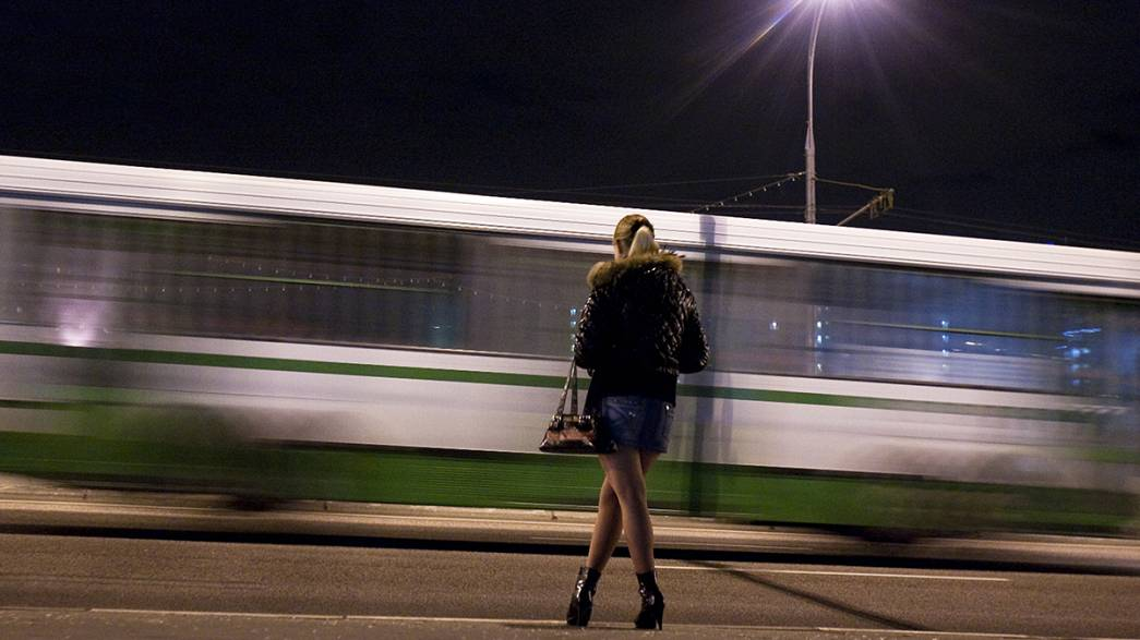 Polémica tras el respaldo de Amnistía Internacional a la despenalización de la prostitución