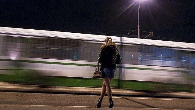 Amnesty International предлагает декриминализовать проституцию
