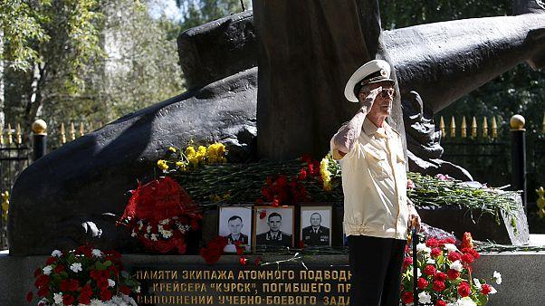 """Rússia recorda tipulantes mortos no naufrágio do """"Kursk"""""""