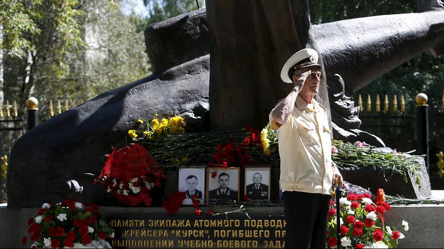 """Rusia recuerda el naufragio del submarino """"Kursk"""""""