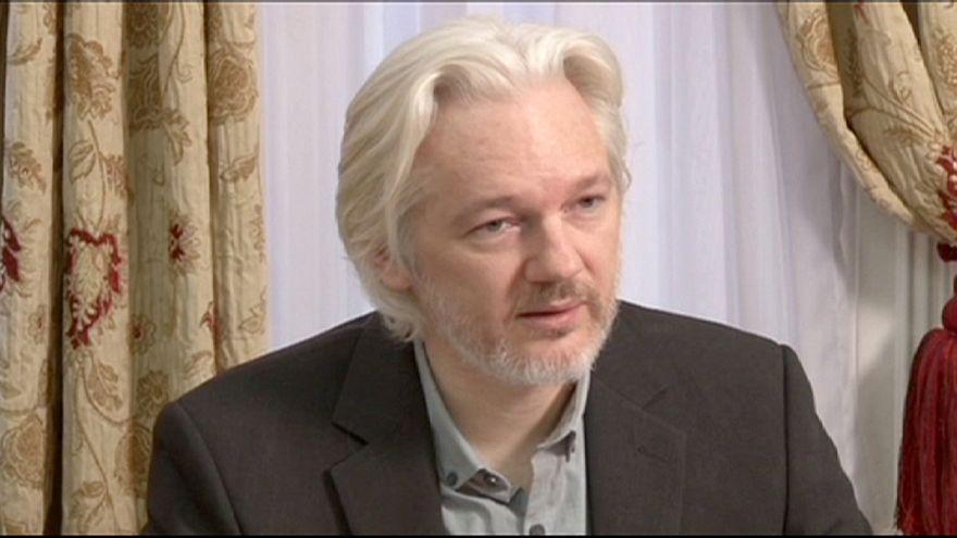Assange hakkındaki taciz suçlamaları düşüyor