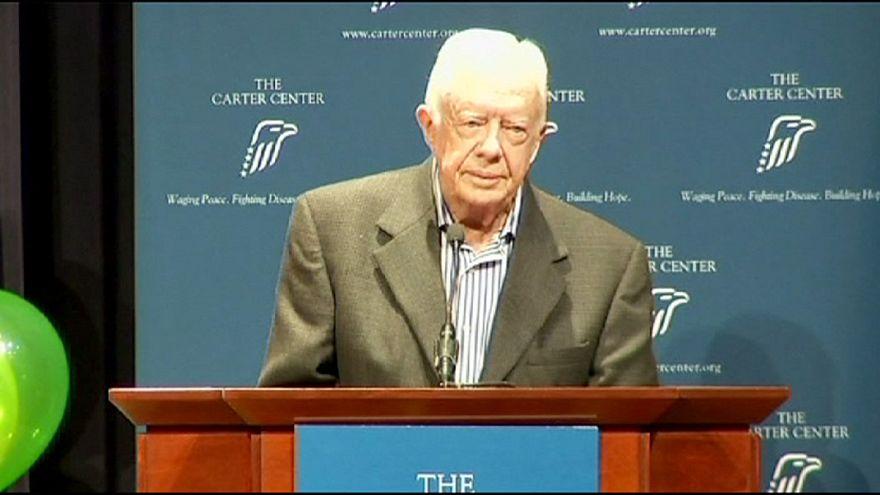 Jimmy Carter revela que sofre de cancro