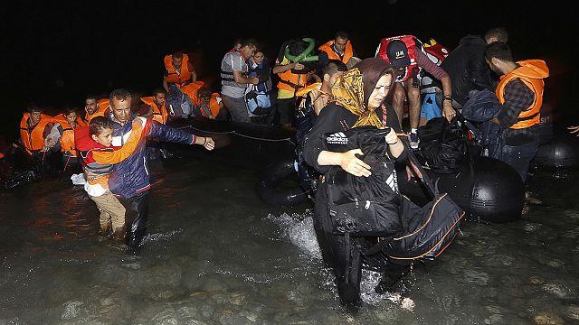 Képtelenek ellátni a görög szigetekre érkező menekülteket