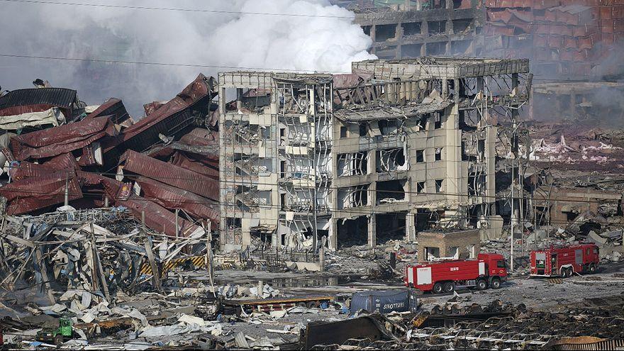 مقتل 50 شخصا واصابة المئات في انفجارين كبيرين بالصين