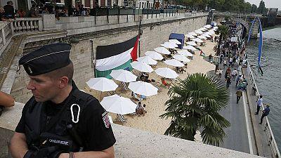 """Proteste gegen """"israelischen"""" Strand in Paris"""
