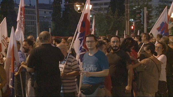 Proteste in Athen vor Abstimmung über drittes Hilfspaket - Neuwahlen immer wahrscheinlicher