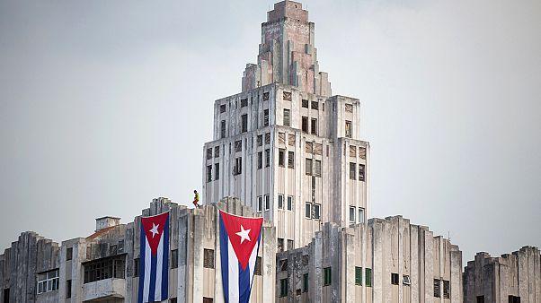 پرچم آمریکا در هاوانا به اهتزاز درمی آید