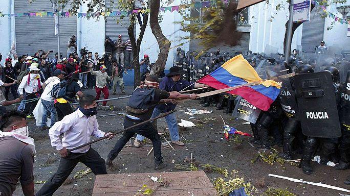 Egész Ecuadort megbénította az indiánok tüntetése