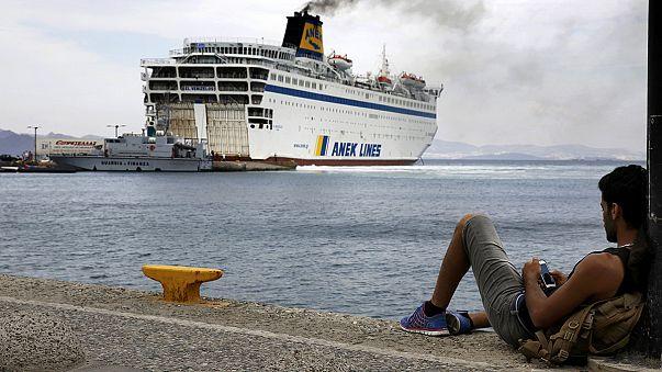 Menekültáradat: Óriáskomp segít be Kos szigetén