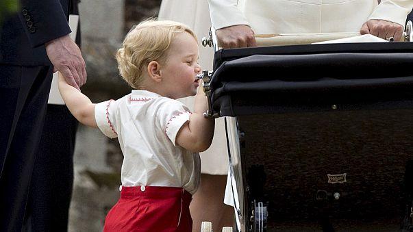 Vilmos hercegnek és Katalin hercegnőnek elege van a lesifotósokból
