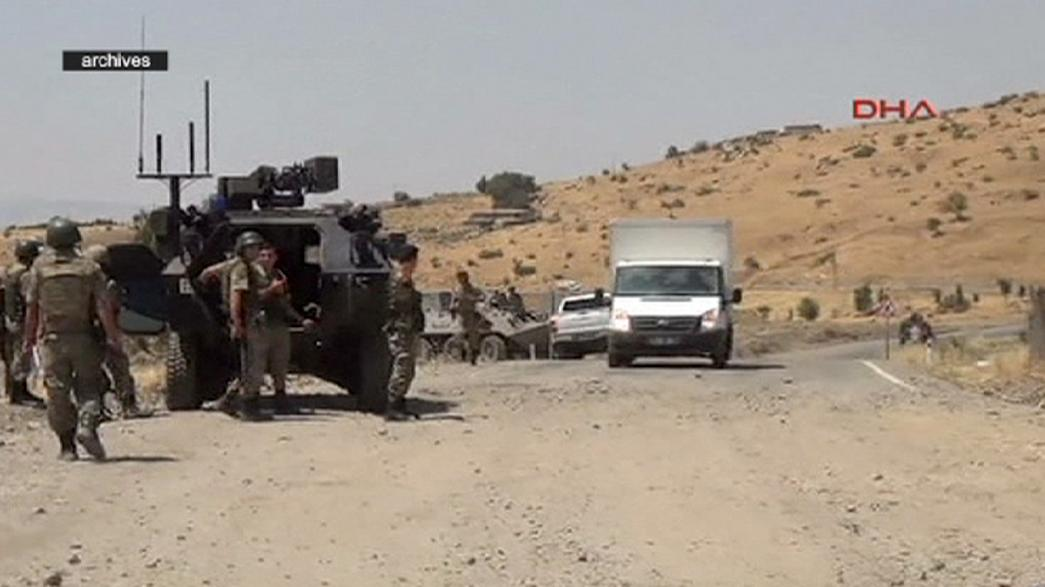 Tres soldados turcos mueren en choques contra miembros del PKK en Hakkari