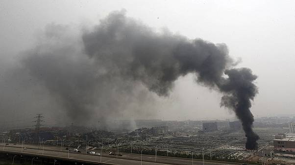 50-jähriger im Hafen von Tianjin lebend aus Trümmern geborgen