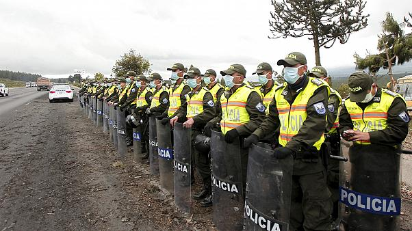 Ekuador verhängt Notstand wegen Vulkanaktivitäten am Cotopaxi
