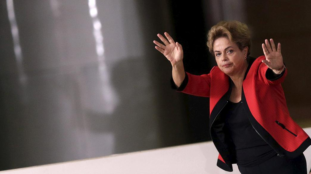 Brezilyalılar Rousseff'i protesto için yeniden sokağa çıkıyor