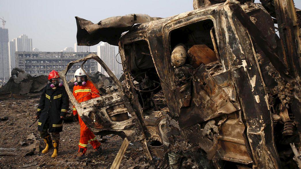 Los familiares de los desparecidos en la explosión de Tianjín piden transparencia